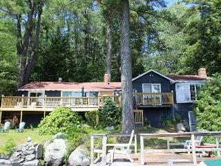 Winnipesaukee Waterfront Home Meredith (MUT85W)
