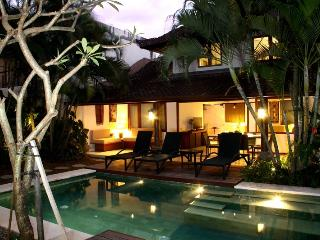 Villa Surin, 10% discount 8 nights or more, stunning Villa in prime location.
