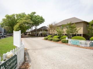 Fabulous Beach House!  Grill, Pools, Walk to Beach, Myrtle Beach