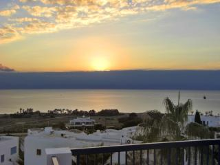 Sea-view flat with pools, 50m to beach, Paphos