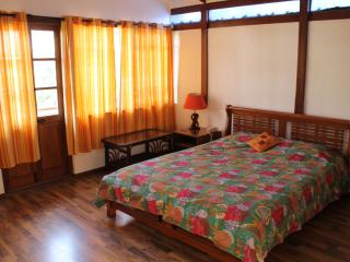 Deluxe room in Casa Cottage, Bangalore