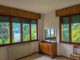 una finestra sul lago di Como, Carate Urio