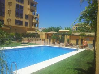 beach and town centre, both at your doorstep., San Pedro de Alcantára