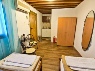 Studio Stavros in Lindos Village, 3min Walk to beach & centre