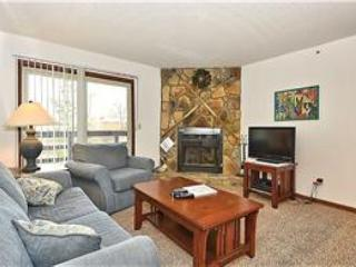 HWD204 condo is just steps away from the ski lift and lodge., Davis