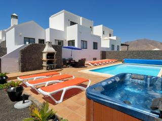 LUXURY J10 VILLA, Playa Blanca