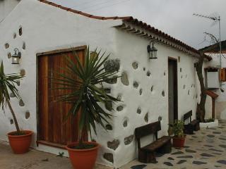 Casa amazig en parque rural de Teno, Erjos