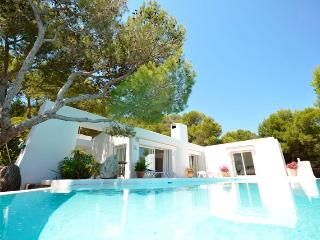 Exclusive house with sea view, swimming pool and i, Font de Sa Cala