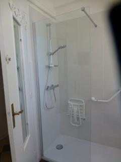 salle d'eau vue douche