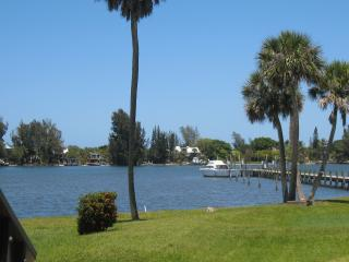 WATERFRONT Paradise on the Intracoastal Waterway, Sebastian