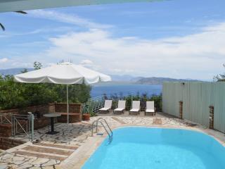Villa with Sea View and Private Pool, Corfú