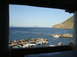 Casa Agave - graziosa casa in stile Eoliano a pochi passi dal mare