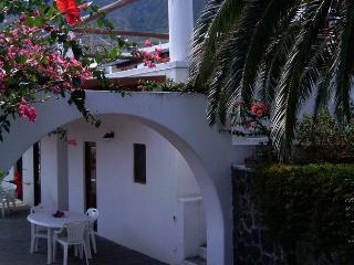 Casa Alicudi, Isola di Salina