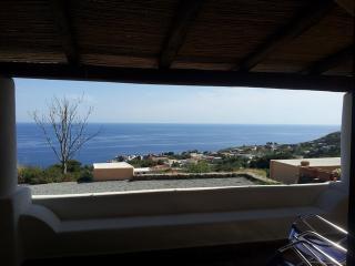La Casetta del Limone - panoramica, nuova, ideale per coppie e famiglie, Malfa