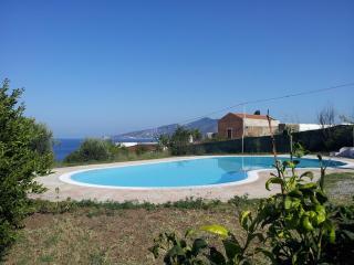 Note Di Salina - Casa Limone con ottima vista sul mare e piscina