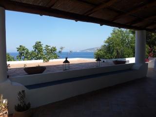 Villa Kris, Isola di Salina