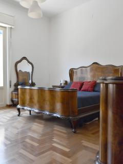 camera padronale ampia in stile classico