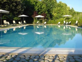 Girasole fantastico appartamento con piscina, Lucca