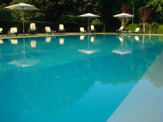 Margherita Fantastico appartamento con piscina, Lucca