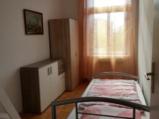 LG 15 Modernes 6-Schlaf Zimmer Apt.