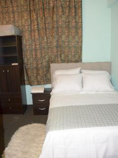 Simplicity Room - Full Bedroom Set with washbasin (vanity).  Luggage & Clothing Rack is included