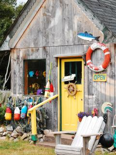 Shop at Reid's Folk Art Studio
