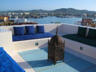 casa en Ibiza. Terraza chill-out excelentes vistas, Ibiza Ciudad