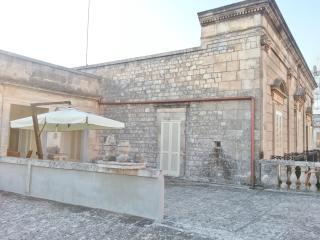 Palazzo Rodio Tiffany Vacation Apartment & Suite