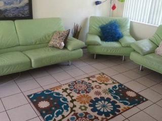 1 bedroom walk to Las O Las  downtown FortLauderdl, Fort Lauderdale