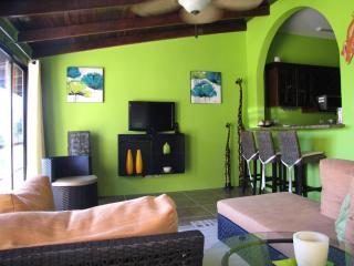 Key- Mar Villa - Upper apartment (7 Up ), Manuel Antonio Nationaal Park
