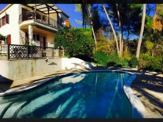 Rez de jardin de villa au calme avc piscine privée, St-Paul de Vence