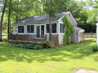 Cute Scenic Road Cottage (BAR783W) 6, Laconia