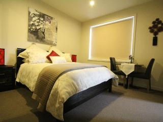 Luxury Room 2 - The Esplanade Bed & Breakfast, Mornington