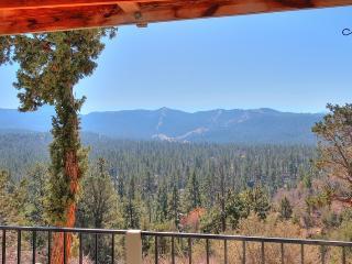 360 Panorama! Amazing Views! Pool Table! High End!, Big Bear Lake