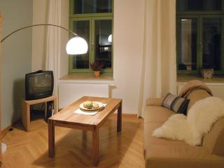 Vacation Apartment in Dresden - 388 sqft, quiet, central, comfortable (# 8799)