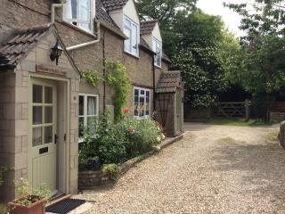 Cotswolds. Malthouse Cottage., Kington St Michael