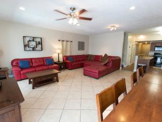 Great location 6br/5ba families and golfer groups
