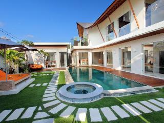 Modern Luxury Seminyak