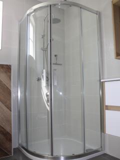 Salle d'eau (la douche)