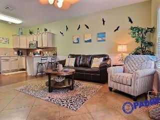 Sea Breeze Cottage is a cozy 1 bedroom just off the Nicest Pool on the Island, Corpus Christi