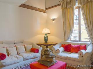 Wonderful 2 Bedroom Apartment Rental Near Duomo