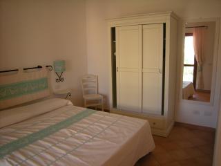 da Elena - camera da letto matrimoniale - Mare & Mirice Case Appartamenti Vacanza