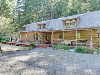 Capstone Lodge, Rhododendron