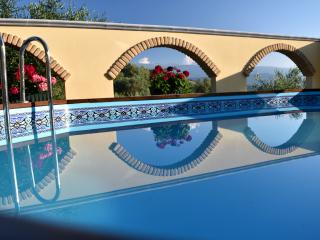 Vacation Apartment In Private Villa, sleeps 4, Pool, Wi-Fi, Mountain Views