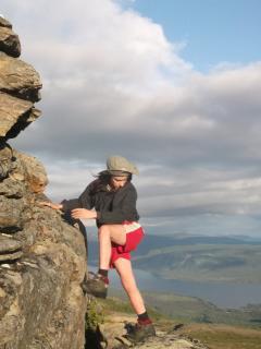 Trekking, esplorazioni, scalate.....! Consigliato almeno 1 anno di permanenza...!! OUTDOORS!