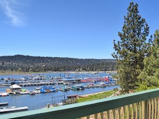 Marina Landing! Lakefront! Steps to Holloway's!, Big Bear Lake