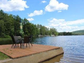 Lake Pemigewasset Waterfront Cottage (MUR4W), New Hampton