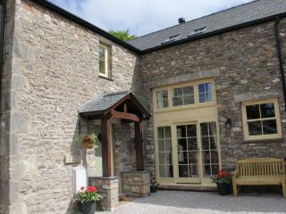 AUTUMN COTTAGE, Barrows Green, Kendal, South Lakes, Sedgwick