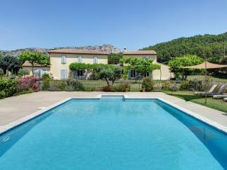 Luberon Vacation Rental with Private Spa, Provence, Merindol