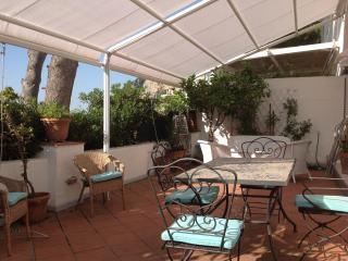 Capri, casa panoramica,a 10 minuti dalla Piazzetta